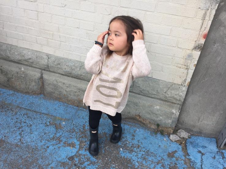 Benetton_sweater_kids_fashion_style_hunter_boots_black_toddler