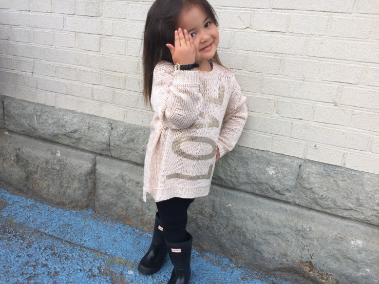 Benetton_sweater_love_style_kids_fashion_black_hunter_rain_boots